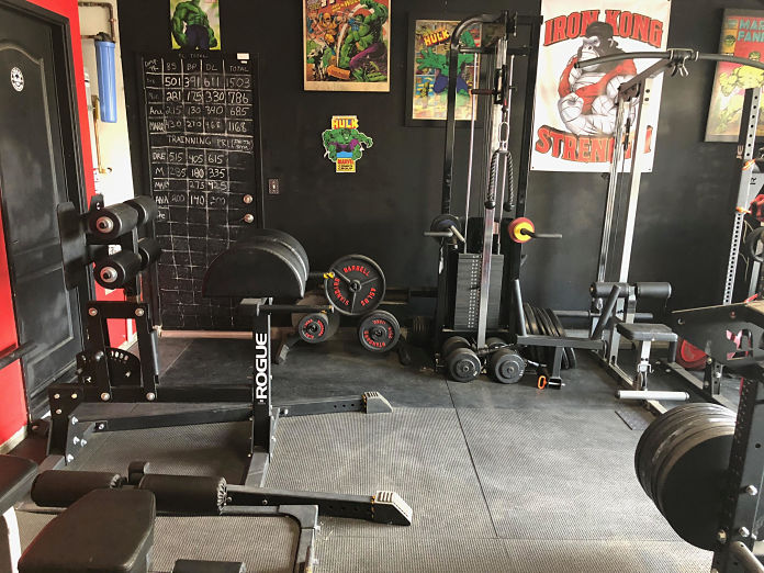 Castro Pain Cave 5 Garage Gym Lab